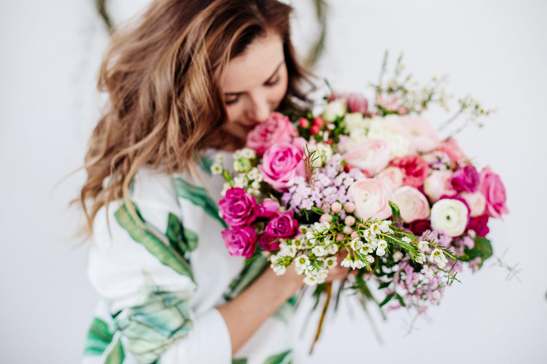 گل ها به عنوان هدیه برای تولد خانوم ها