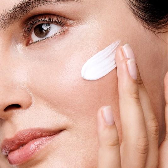 کرم روز ضد لک ایون آوت اپتیمالز اوریفلیم OPTIMALS Even Out Day Cream SPF 20 Oriflame