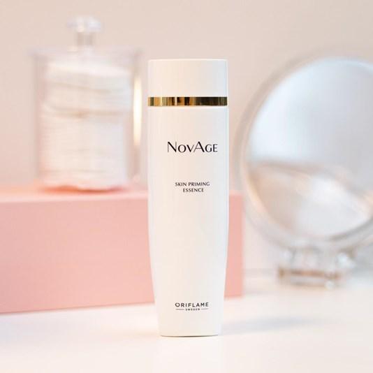 مایع آبرسان و احیا کننده نوایج اوریفلیم NOVAGE Skin Priming Essence Oriflame