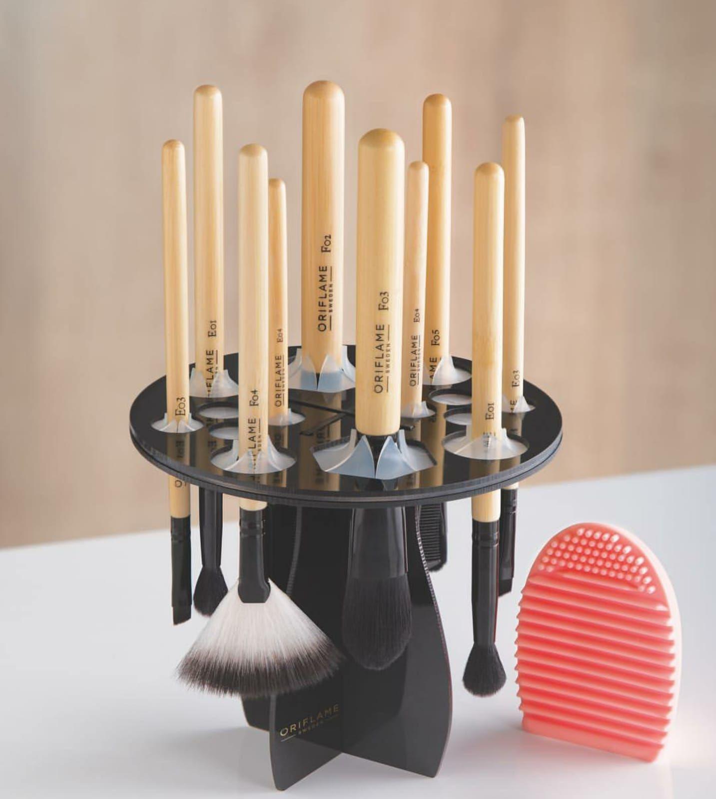 برس حرفه ای بادبزنی پرسیژن اوریفلیم ORIFLAME Precision Fan Powder Brush
