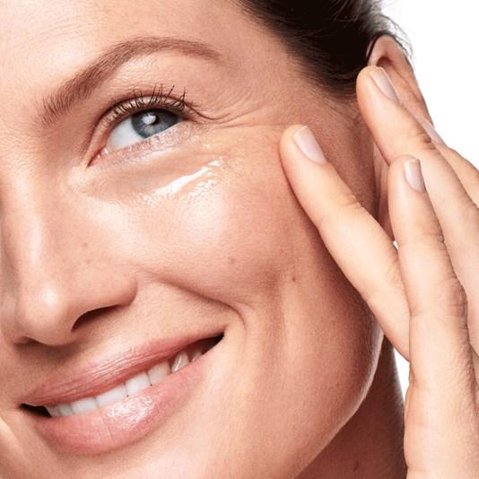 کرم دورچشم ضدپیری اپتیمالز اوریفلیم OPTIMALS Age Revive Eye Cream Oriflame