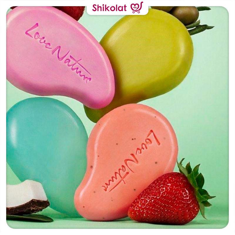 صابون لایه بردار توتفرنگی و لیمو لاونیچر اوریفلیم LOVE NATURE Exfoliating Soap Bar Refreshing Strawberry & Lime Oriflame