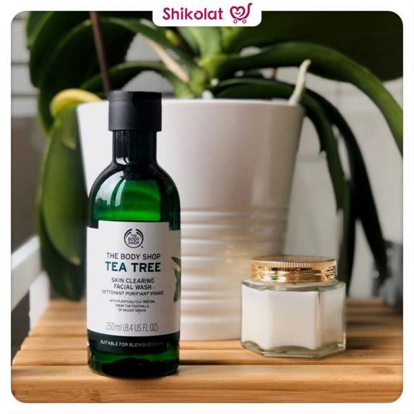 ژل شستشوی صورت تی تری بادی شاپ حاوی عصاره درخت چای حجم 250 میل The Body Shop Tea Tree Skin Clearing Facial Wash 250ML